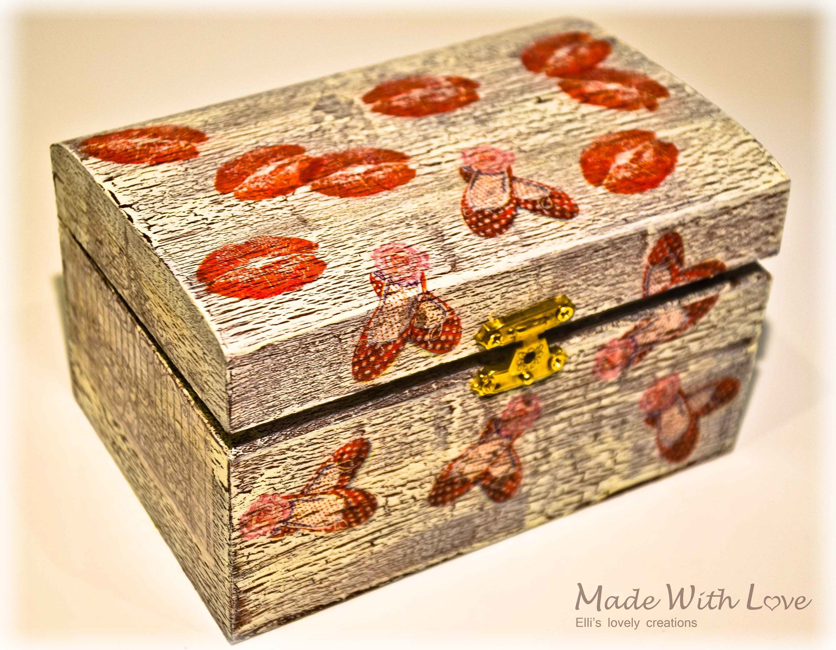 Wooden Jewelry Box I / Napkin & Crackle Paint Technique