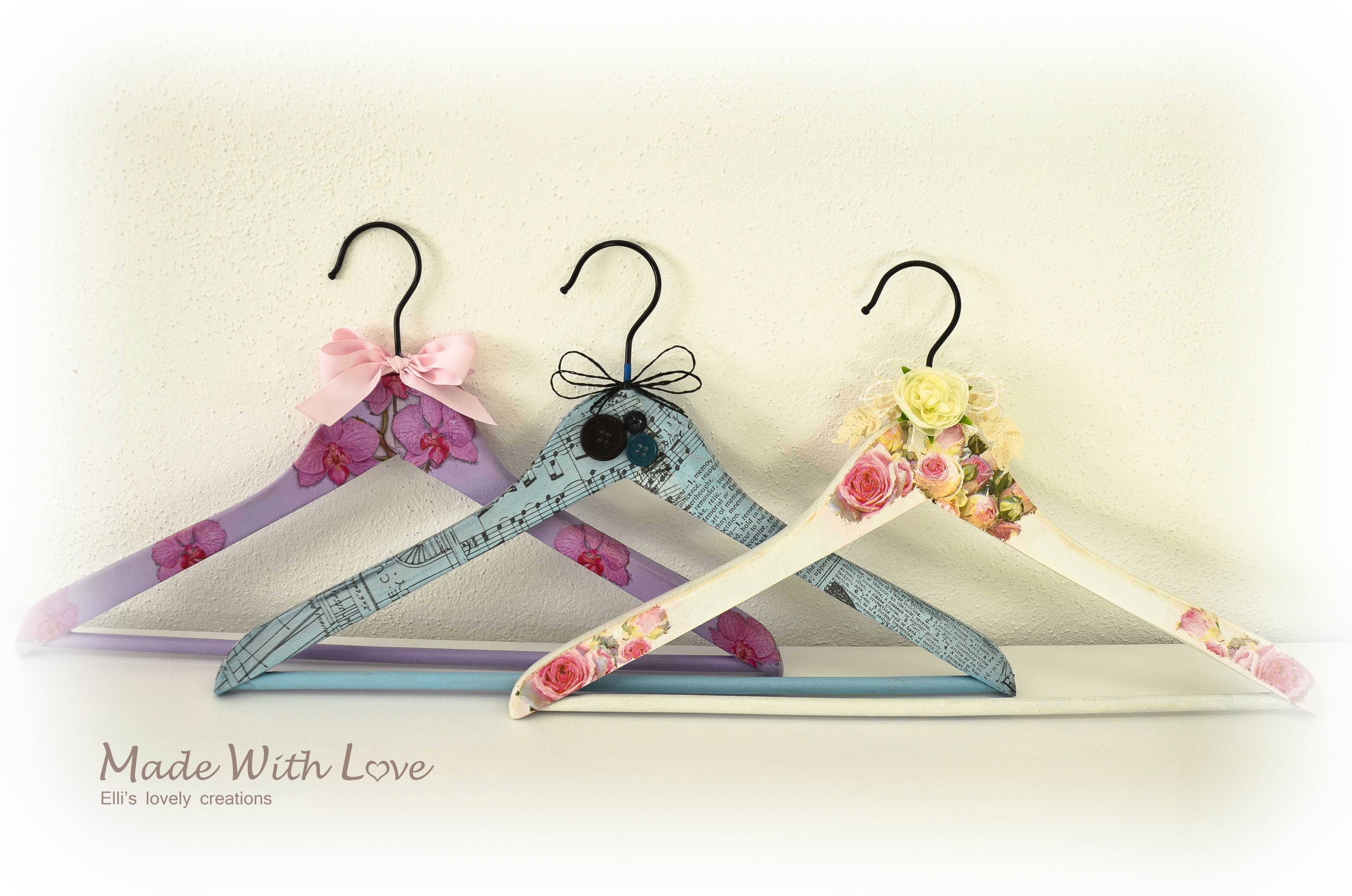 Decoupage Coat Hanger Flowers and Bows 2